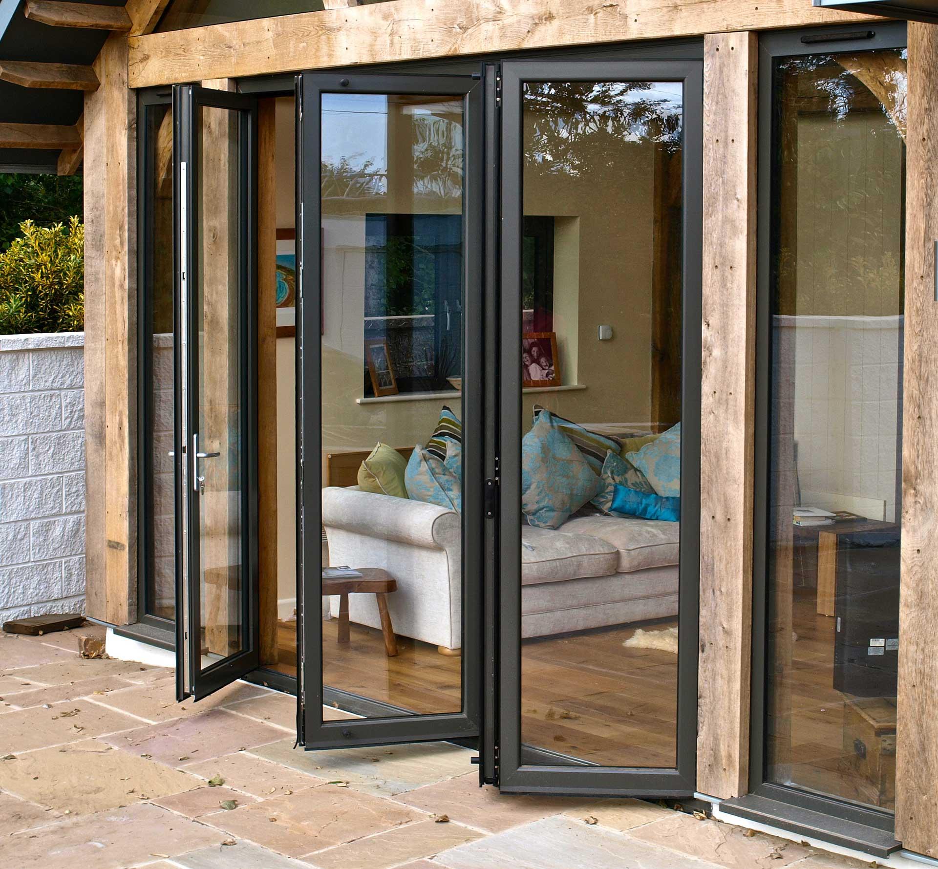 pintu folding aluminium