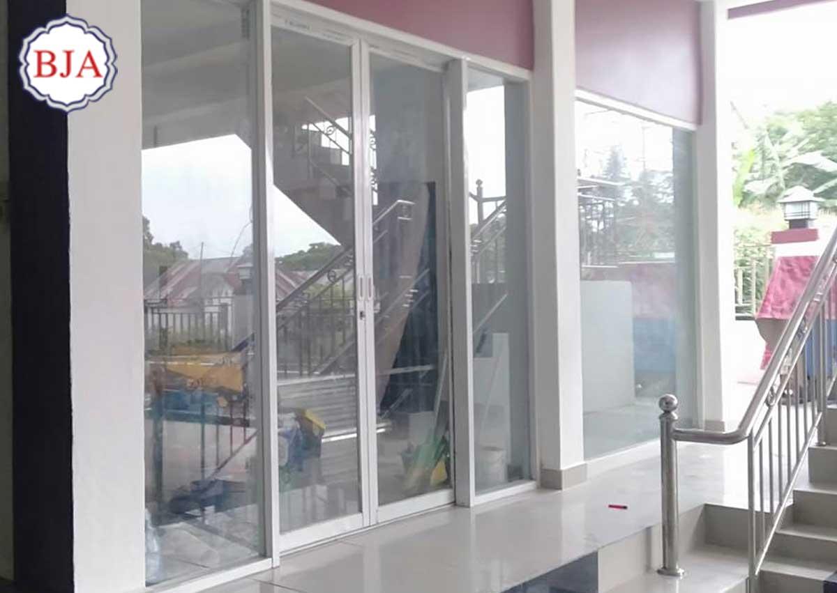 pintu geser aluminium minimalis